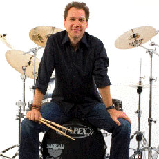 Andy Gillmann am 05.07.2014 bei DRUMS ONLY in Koblenz